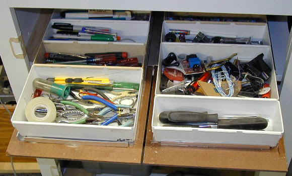 drawer01.jpg (52910 bytes)